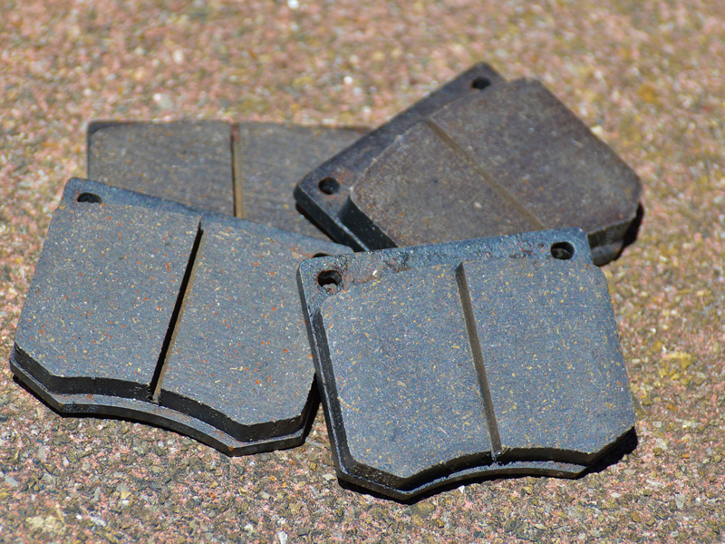 Ceramic Vs Metallic Brake Pads >> Ceramic VS Metallic Brake Pads - Astro Brake Clutch ...